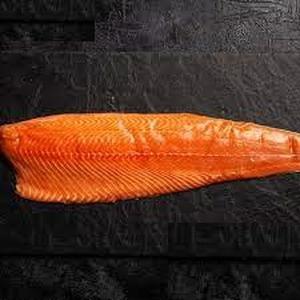 Salmon Filete entero con piel (Buba) (Corte de 1,80 kg)
